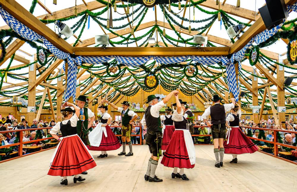 Mit dem Fahrrad zu deutschen Weinfestivals